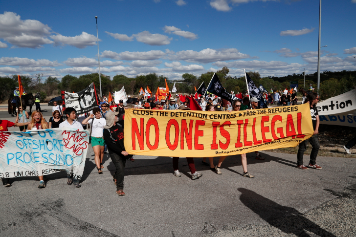 Compassionate refugee activists converged on Yongah Hill Detention Centre in Western Australia while the Liberal Party propagated fear of refugees (Photo courtesy of Alex Bainbridge/Green Left Weekly)